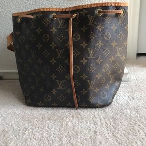 Louis Vuitton Bag| Petit Noé | bucket purse